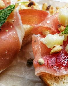 Bruschetta's tomaatsalsa / meloen & Parmaham